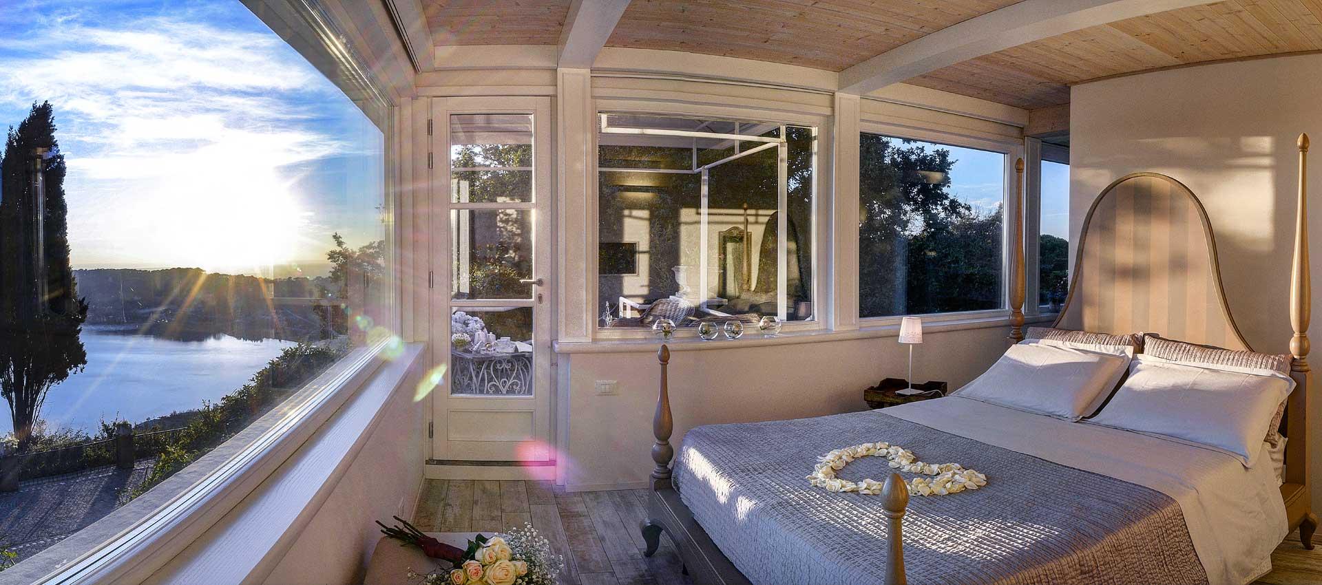 Panoramica Suite Villa Pocci con vista lago