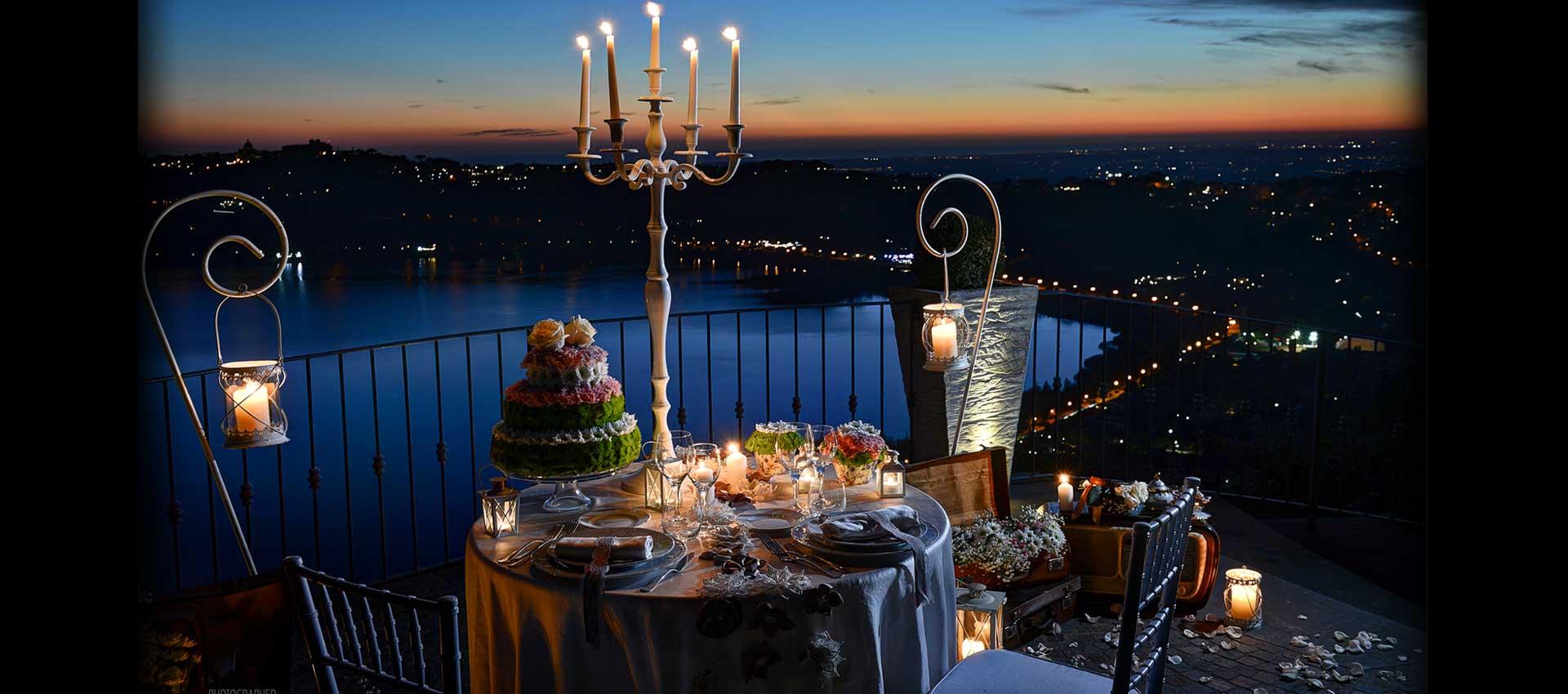 cena per due tavolo esterno con vista lago