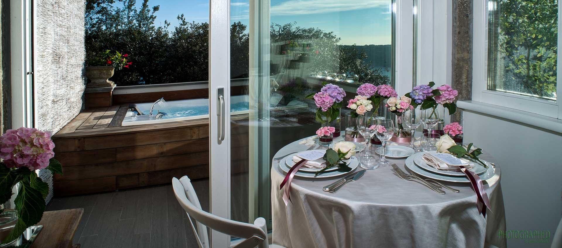 un sogno per due jacuzzi tavolo cena romantica
